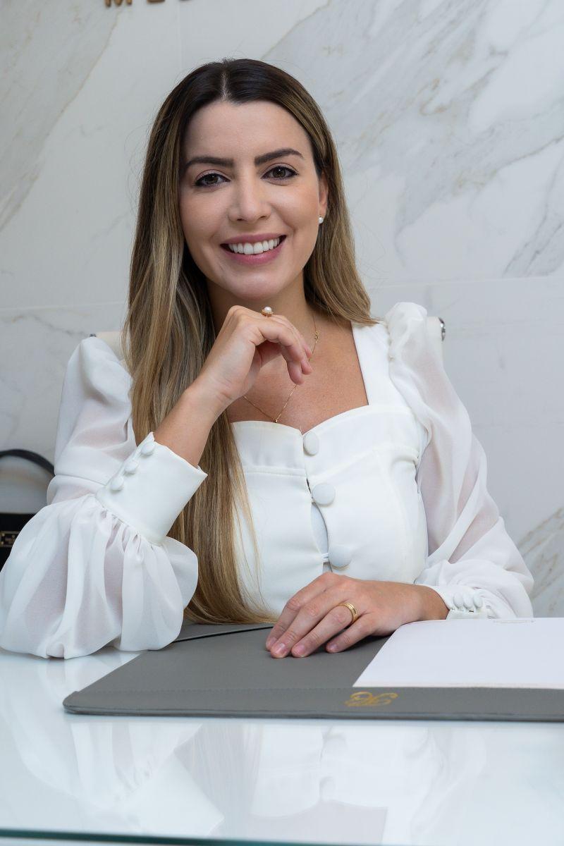 A médica dermatologista Dra. Thalita Carlesso | Foto: Divulgação
